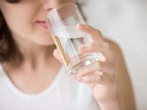 không uống đủ nước