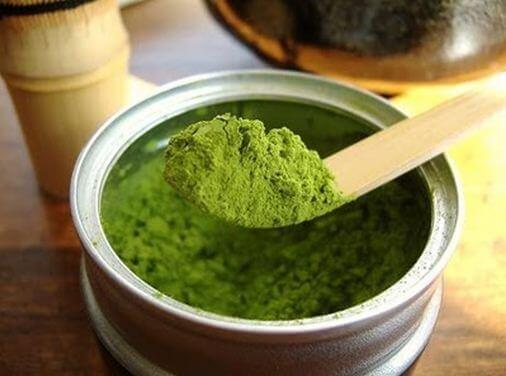 Sử dụng chanh và bột đậu xanh để thực hiện triệt lông tay tại nhà