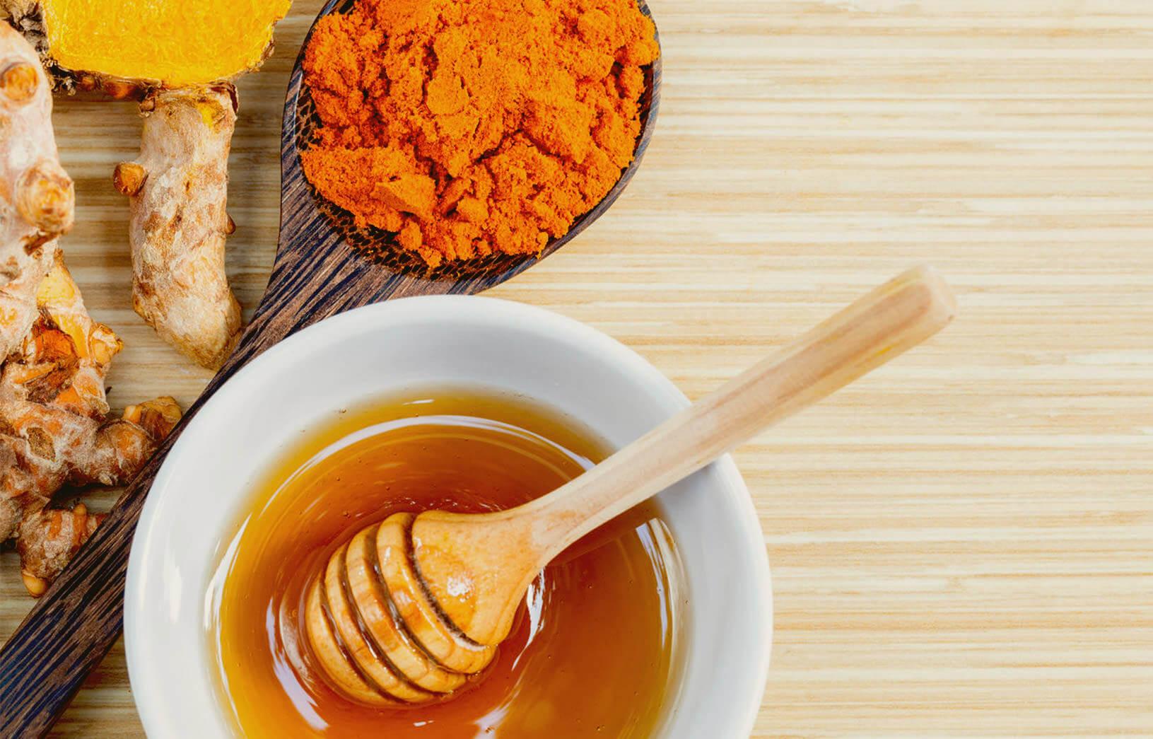 cách trị nám tàn nhang bằng mật ong và bột nghệ