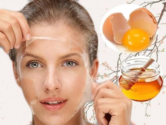 Mặt nạ lòng trắng trứng gà giúp lột sạch các nốt mụn đầu đen