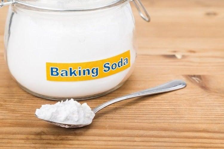 Dùng Baking Soda là cách trị mụn đầu đen đơn giản tại nhà