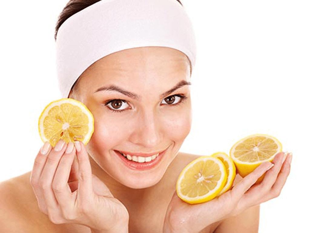 Mặt nạ trị mụn từ chanh chứa nhiều axit citric và vitamin giúp tẩy da chết kháng khuẩn để mụn nhanh biến mất