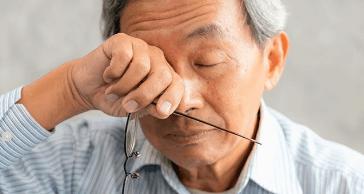Những lưu ý về hiện tượng nháy mắt phải ở nam giới