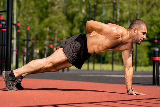 fitness luyện tập cơ bắp