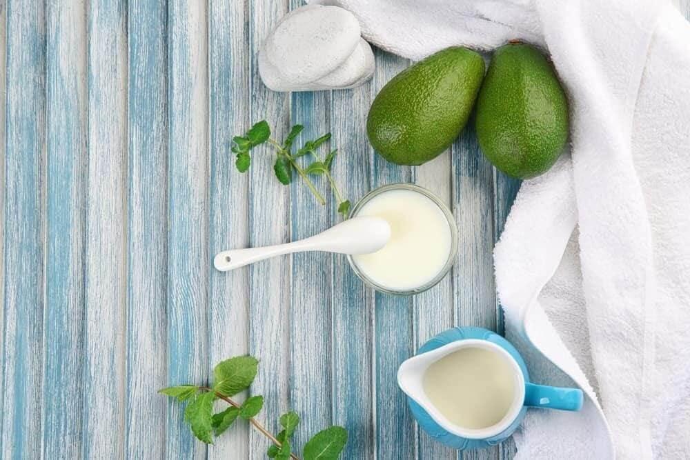 Mặt nạ bơ sữa chua giúp trị mụn hiệu quả