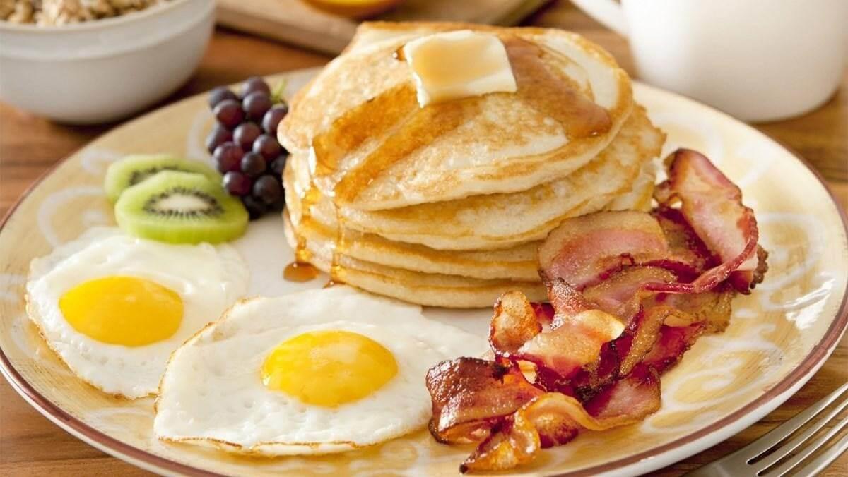 Bữa sáng giàu protein giảm cảm giác thèm ăn