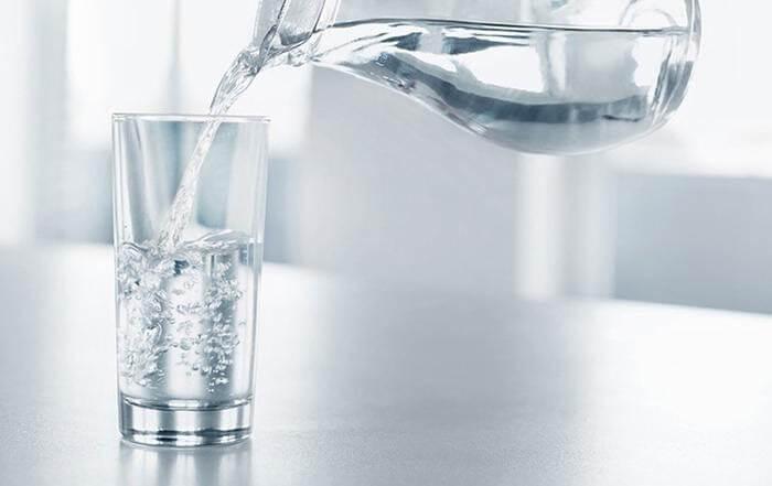 Uống nhiều nước tạo cảm giác no lâu